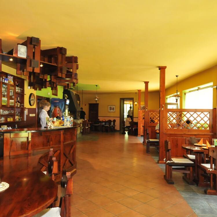 ubytovanie-cingov-lesnica-restauracia